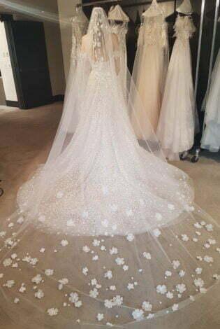 Gigi matching veil