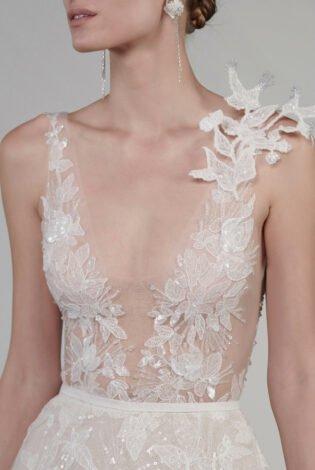 intricate 3D shoulder element